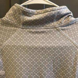 Gap activewear- long sleeve quarter zip